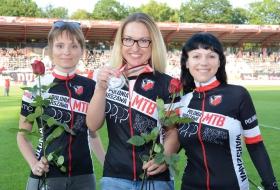 Polonia Warszawa - Dekoracja Pań 15.06.2016 (fot. Łukasz Walkiewicz)